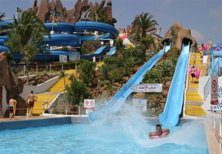 Slide & Splash Lagoa water park algarve