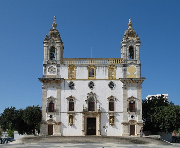 Faro_Igreja_do_Carmo